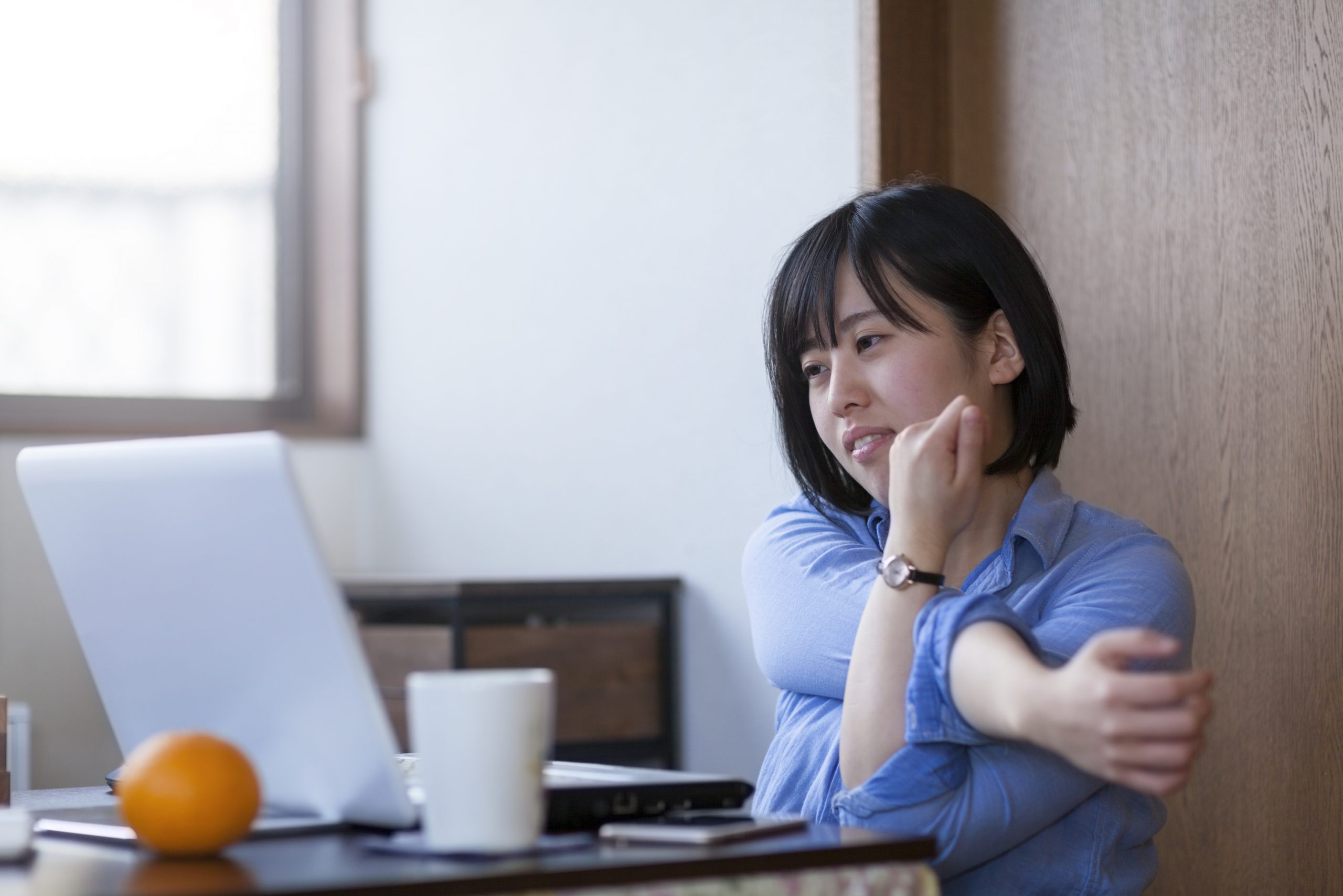 Ways to Stay Active and Reduce Joint Pain for Desk Workers